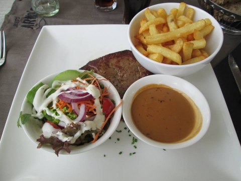 Frieten met steak
