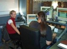 Rudy Gybels in gesprek met zangeres Shelsy, zaterdag 13 september 2003