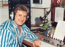 Zanger Johnny White presenteerde op zondagnamiddag tussen 12 en 13 uur een programma bij Radio FLASH Scherpenheuvel.