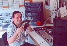 Luc Van Brabant tijdens zijn programma 'Postbus 50'