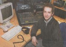 Bram Vanderlinden in de studio van MIX FM (2004)