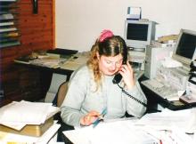 Kristel Van Gelder, de secretaresse, druk aan het werk