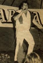 Ruth McKenny in actie op een verjaardagsbal van Radio CARINA